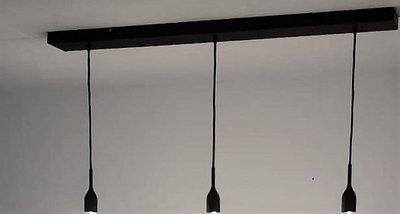Eigen ontwerp Hanglamp 3 zwarte plafondbalk